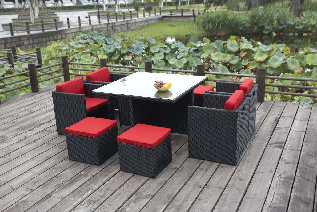 rio 4 seater black - red chairs out
